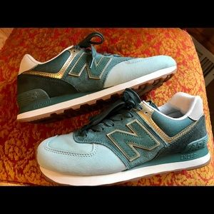New Balance Women's 8.5 Green Sneakers